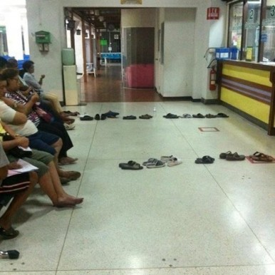 Waiting in Long Line Life Hack