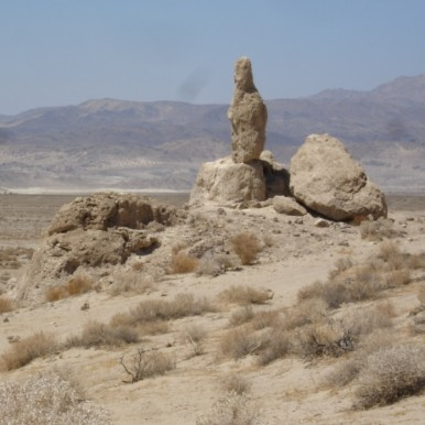 Trona Pinnacles_10000-100000_years_old