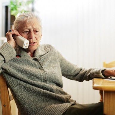 Woman on Phone - Image from bigstock via Philips