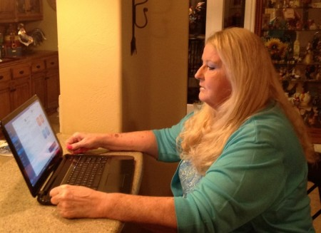 Jan Ford diagnosed with FTD researches dementia online