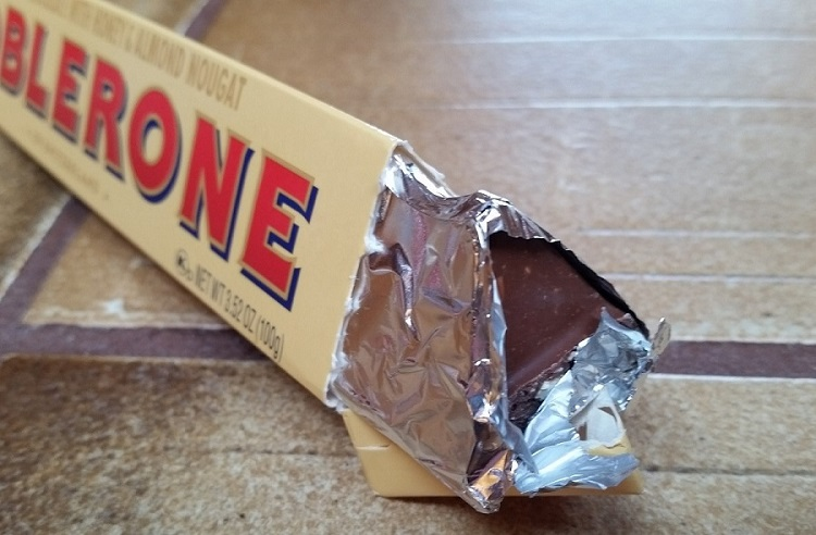 How do you cover left over chocolate in a Toblerone bar?